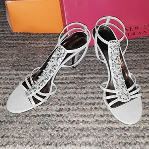 New York Transit womens 9M silver sparkly heels